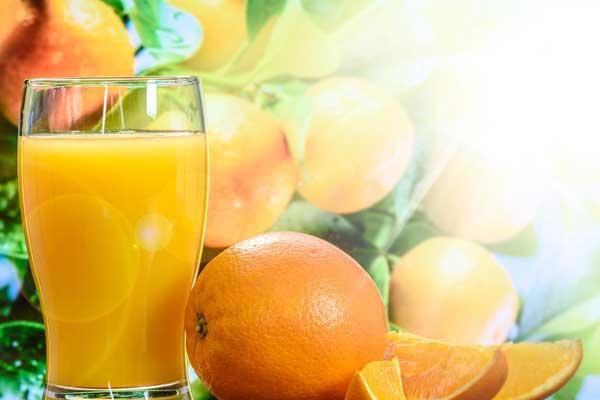 uso terapeutico delle arance e del succo d'arancia