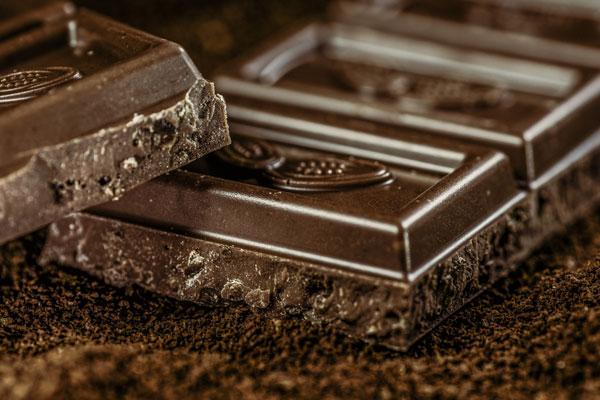 cioccolato fondente quanto mangiarne