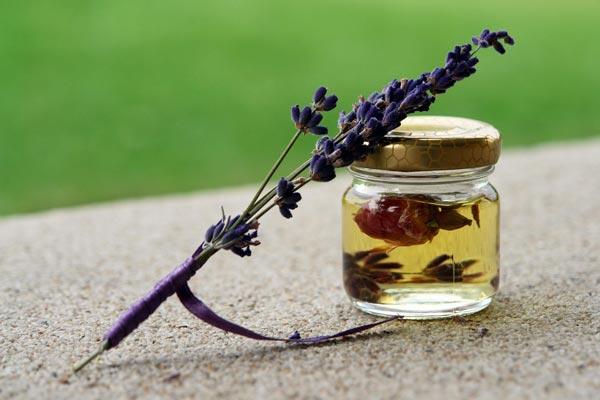 oli essenziali per ansia aromaterapia